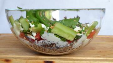 Sałatka z quinoa z majonezem z nerkowców (bez jajek, glutenu, mleka)