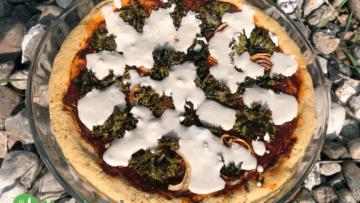 Pizza bezglutenowa z jarmużem (bez mleka, jajek, soi)